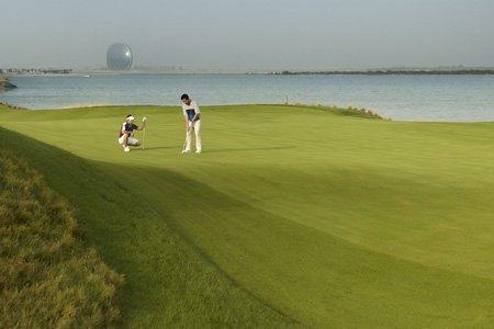 Гольф в Абу-Даби